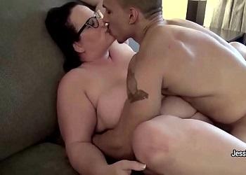 La gorda Jessica Lust graba un vídeo de sexo casero