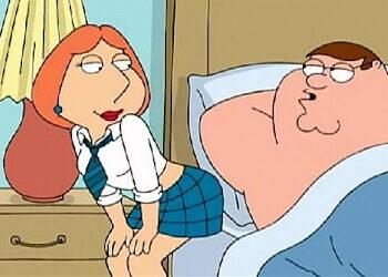 Lois Griffin se viste de colegiala para que Peter le haga sexo anal